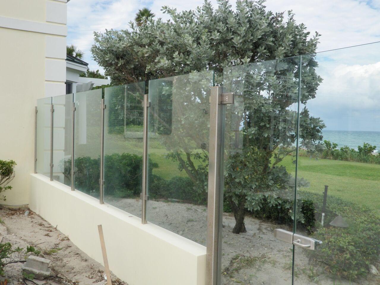 Glass Railings Amp Windbreaks Gunn S Quality Glass Amp Mirror